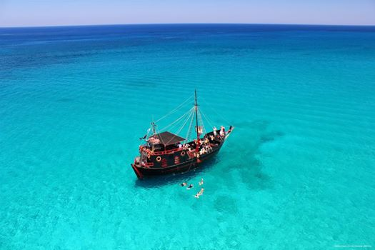 Pirate cruise in Cyprus: Flisvos boat